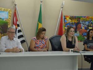 Advogada Dra Lenora Thaís explicou o caso - Foto Fábio Alexandre
